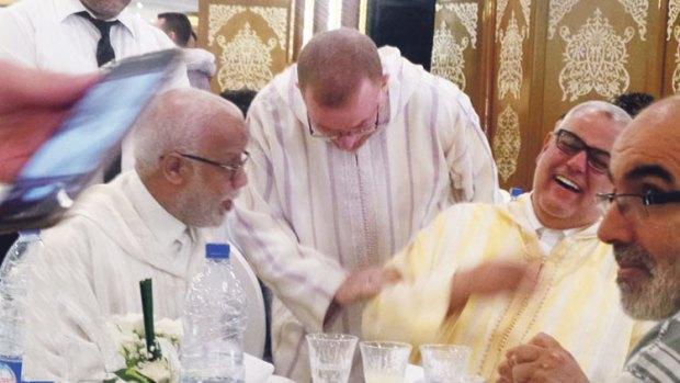 كان ابن كيران سببا فيه.. قصة الزواج الأول لمحمد يتيم!