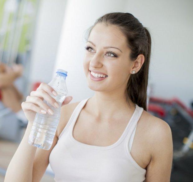 قالوها العلما.. الماء يقلل الإصابة بالتهابات المثانة عند النساء