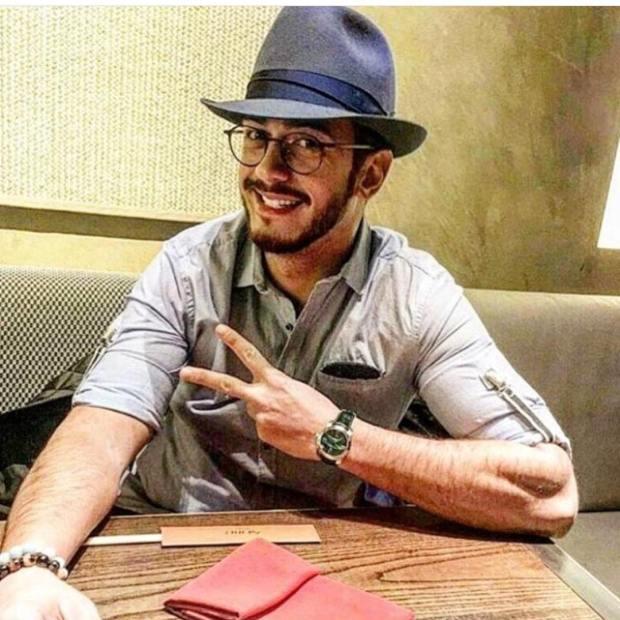 قبل الخبر الرسمي.. فنانون سعداء بخروج سعد لمجرد من السجن (صور)