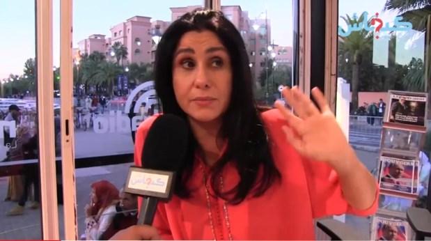 أسماء الخمليشي لمنتقدي صورها: أنا كنرضي نفسي ماشي الناس (فيديو)