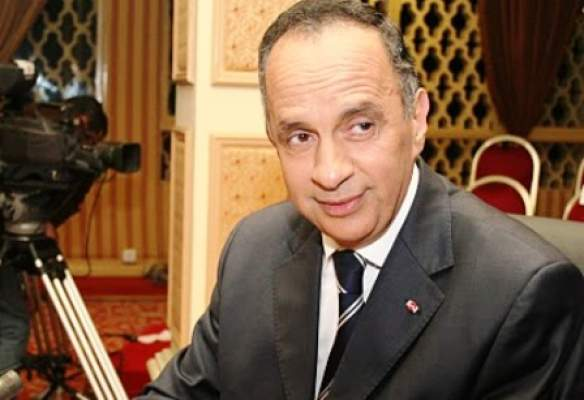 """التبرهيش والبسالة.. صفحات على الفايس بوك """"تقتل"""" مصطفى العلوي في منتصف الليل!"""