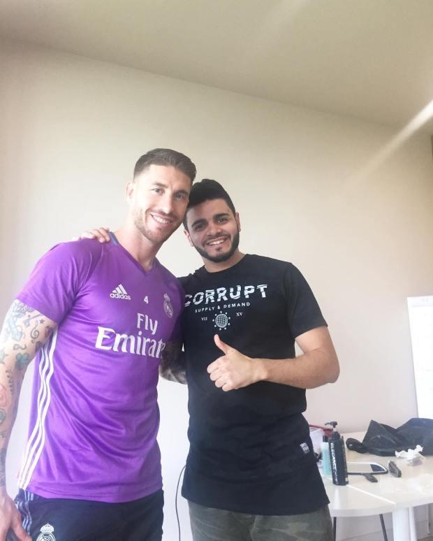 العربي حلاق النجوم: ماركو يورينتي سبب شهرتي وأغلب لاعبي ريال مدريد زبنائي