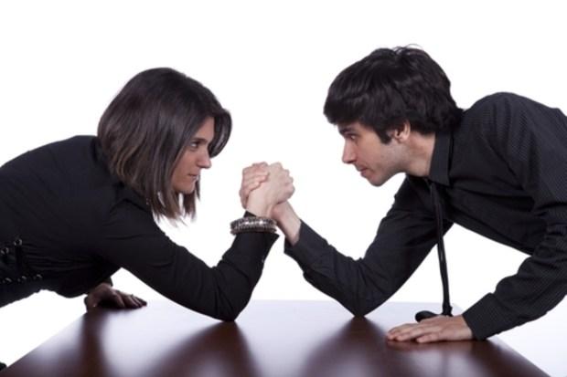 """محلل: المرأة أقوى من الرجل جنسيا والرجل المغربي متاثر ب""""ناقصة عقل ودين""""!"""