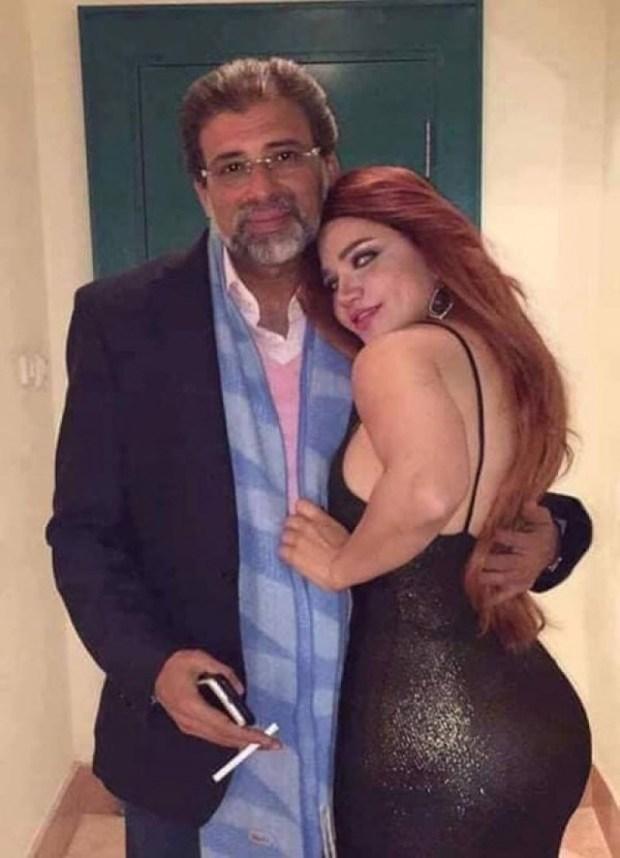 السياسيين مسكيين بمغرفة واحدة.. برلماني مصري يتهم جهات بشن حملة ضده بعد نشر صوره الحميمية!