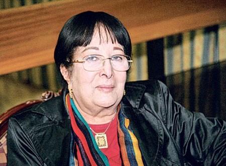 المصرية سميرة عبد العزيز: سعيدة بتكريمي في مهرجان المسرح في خريبكة