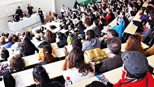 اللي بغى يمشي يقرا.. الجامعات الإسبانية تفتح أبوابها في وجه الطلبة المغاربة