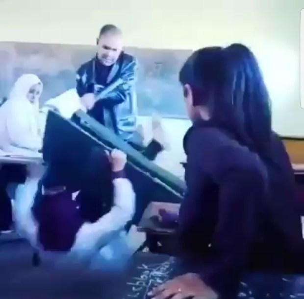 ثانوية في قلعة السراغنة.. تفاصيل فيديو الأستاذ اللي قلب طاولة على تلميذة