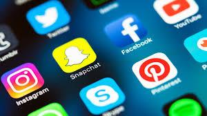حاضيين الفايس بوك وما مسوقينش لتويتر.. المغاربة مدوزين وقت طويل فمواقع التواصل الاجتماعي!
