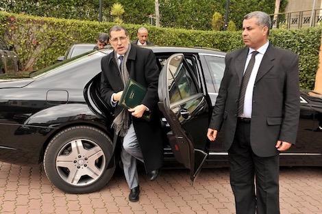 عددها 5.. الحكومة تقتني سيارات كهربائية للوزارات