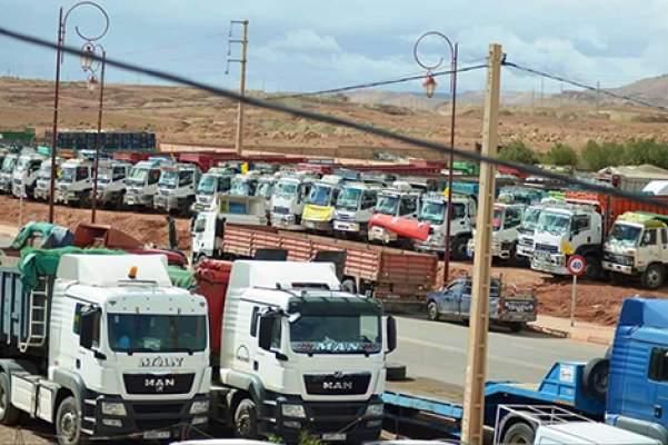 تلقوا دعوة للحوار من الوزارة.. أرباب وسائقو الشاحنات يعلقون إضرابهم الوطني