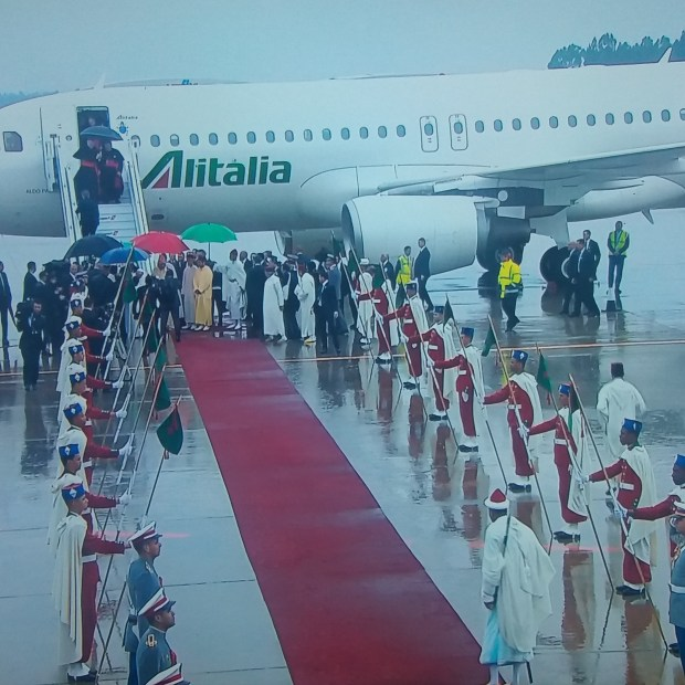 بالصور.. البابا فرانسيس يصل إلى المغرب