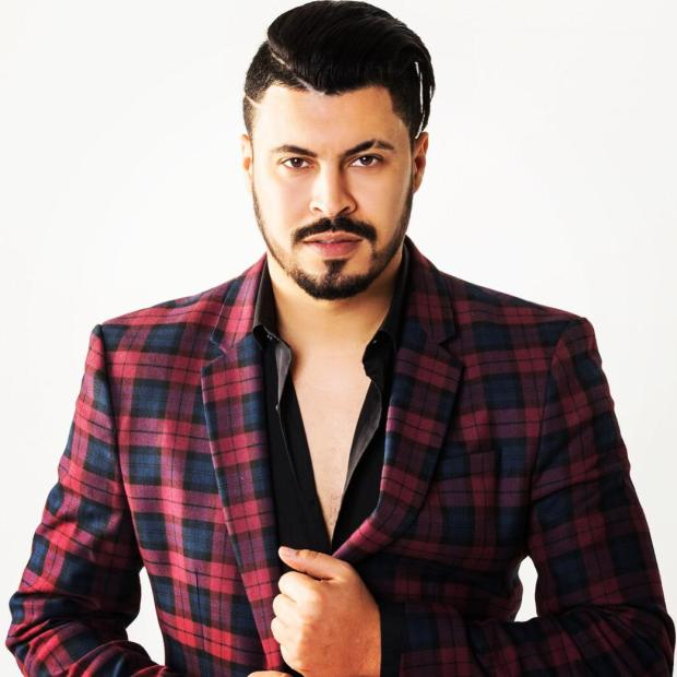 """بعد تخلي حبيبته عنه.. أمين جاد يغني """"غاداتني روحي"""" من إسبانيا"""