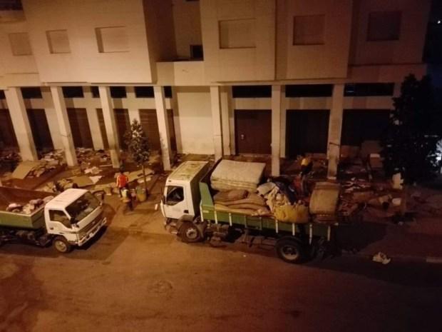 بالصور والفيديو من أكادير.. تفكيك مخيم عشوائي لمهاجرين في وضعية غير قانونية وإسكانهم في مركز اجتماعي للإيواء