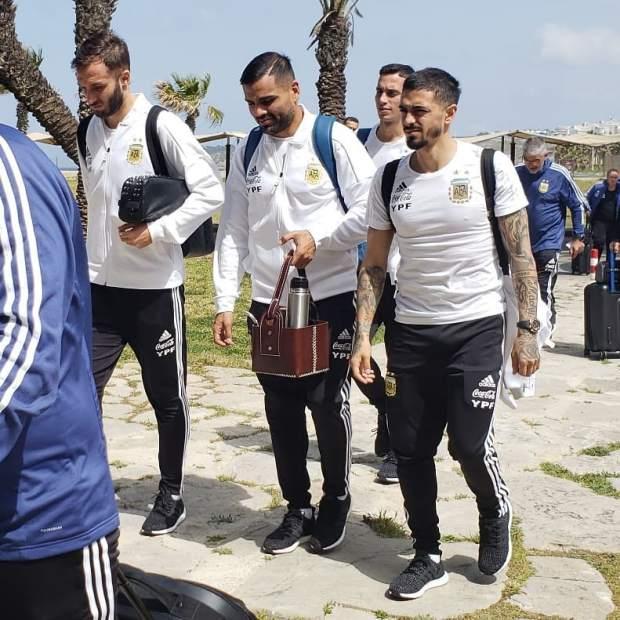 بالصور والفيديو.. وصول المنتخب الأرجنتيني إلى طنجة