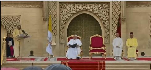 بالعربية والإسبانية والإنجليزية والفرنسية.. كلمة مؤثرة للملك أمام البابا