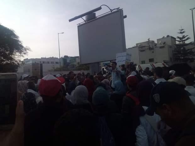 """اتهم الوزارة باللجوء إلى """"مسلكيات ترهيبية"""".. الحزب الاشتراكي الموحد يدعم احتجاجات الأساتذة المتعاقدين"""
