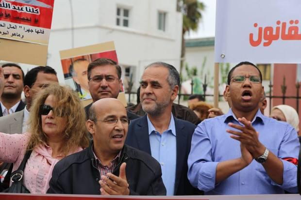 """وصفت الحكم ضد 4 صحافيين بغير المنصف.. النقابة الوطنية للصحافة """"غاضبة"""" من بنشماش"""