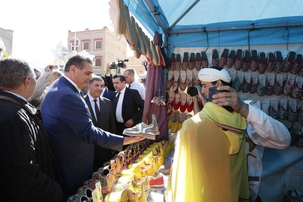 افتتح مهرجان اللوز واطلع على مشاريع تنموية.. أخنوش في مسقط رأسه تافروات (صور)