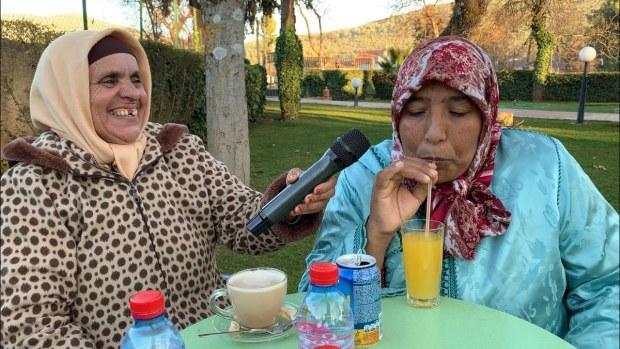 طاقم قناة لالة مربوحة للالة نعمية: خلّينا ليك اليوتيوب! (فيديو)