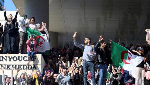 تديرها الخلعة.. تقديم موعد عطلة الربيع في الجزائر لمحاولة الحد من الاحتجاجات