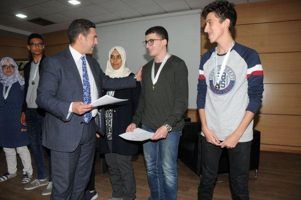 بالصور.. وزارة التربية الوطنية تحتفي بالتلاميذ المتوجين في أولمبياد الرياضيات