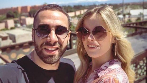 شداتو الكاميرا.. عارضة أزياء تثير الجدل بعد ظهورها مع نجم ريال مدريد في مراكش (صور)