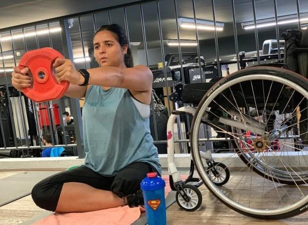 فقدت ساقها ورفضت الاستسلام لقدرها.. قصة بطلة التينس المغربية نجوى عوان (صور وفيديو)