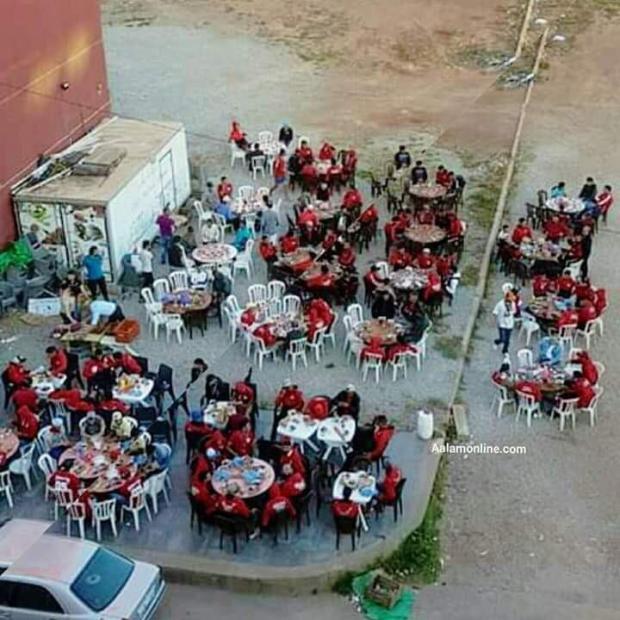 داروها زوينة.. مقهى وجمعية في بركان تقدمان فطورا مجانيا للجماهير الودادية