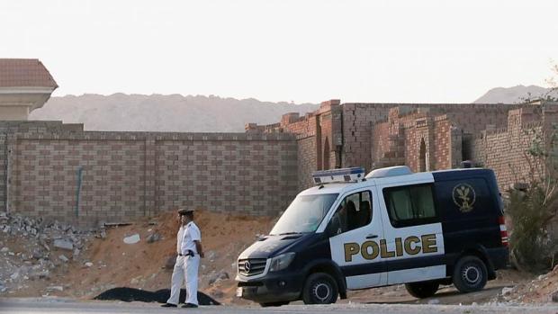 دون مراسم تشييع.. دفن جثمان الرئيس المصري السابق محمد مرسي في القاهرة