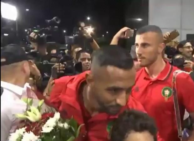 الأسود وصلو.. استقبال حافل للمنتخب الوطني في مصر (فيديو)