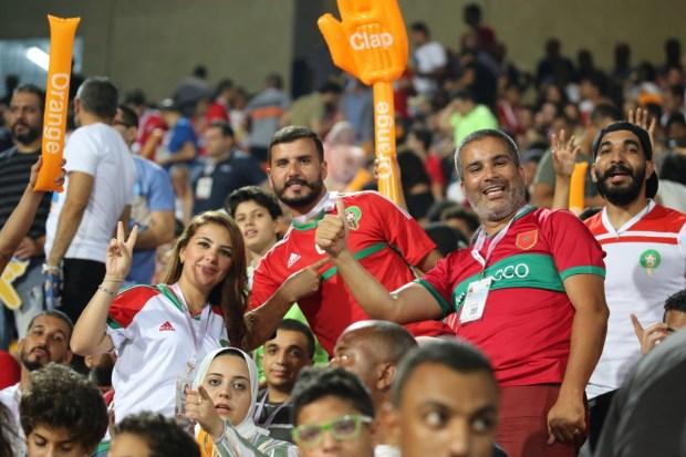 في المغرب ومصر.. المغاربة يشاركون الجزائريين فرحتهم بالفوز بكأس الأمم الإفريقية (صور)