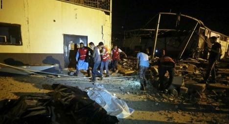 بعد تحديد هوياتهم..ترحيل جثامين المغاربة ضحايا قصف مركز للهجرة غير النظامية في ليبيا