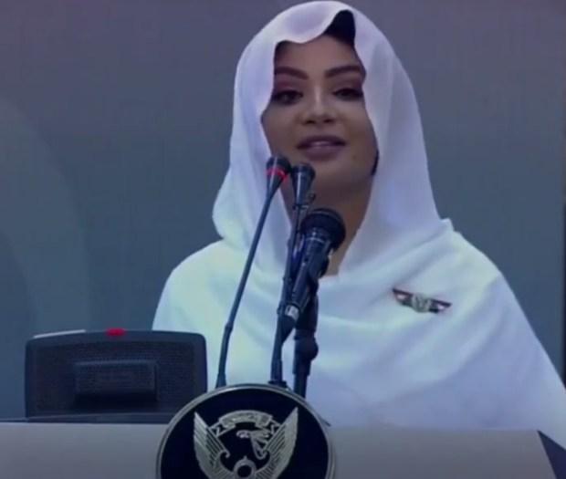 بالفيديو.. مذيعة سودانية حسناء تخطف الأنظار!