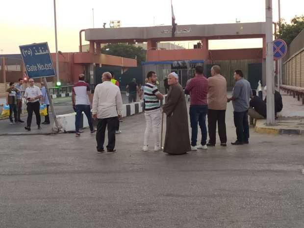 توفي في مراكش.. جثمان عالم الذرة المصرى يصل القاهرة (صور)