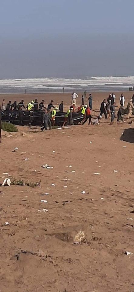 بالصور من المحمدية.. العثور على 7 جثث لحراگة لفظها البحر