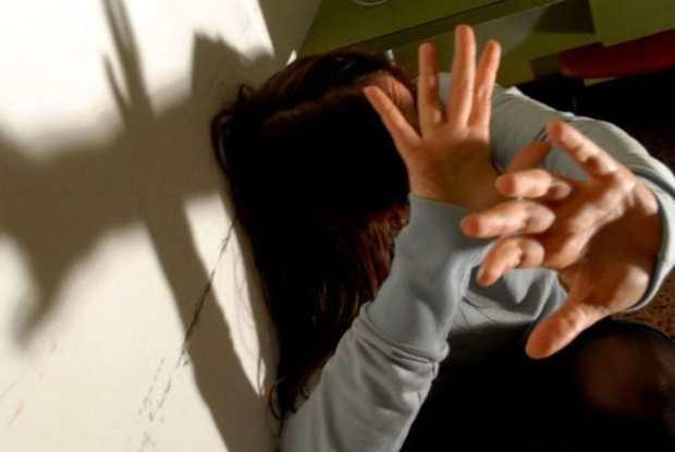 عندو 71 عام.. السلطات الايطالية توقف مهاجرا مغربيا بسبب العنف الأسري