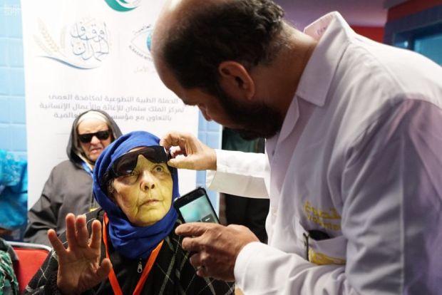 لمكافحة العمى والأمراض المسببة له.. قافلة مركز الملك سلمان تصل لأزيلال (صور وفيديوهات)