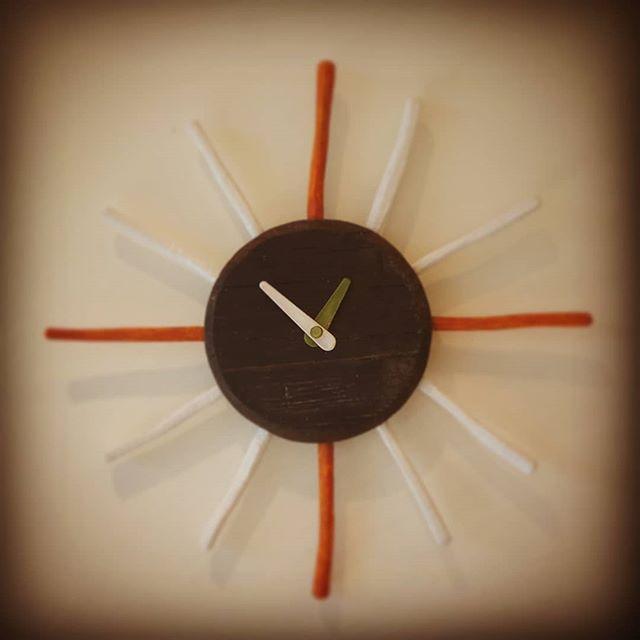 #時計 #木製 #手作り #彫刻 #オブジェ#sun #wall #clocks #wood #handmade #sculputure #object #oak #red
