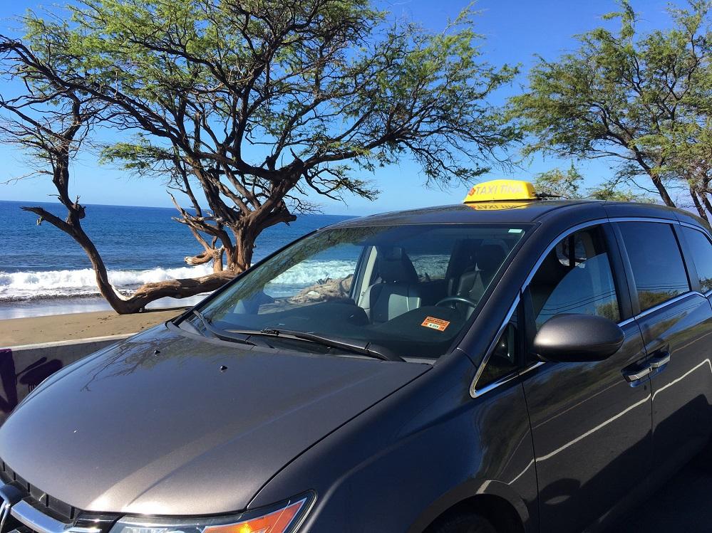 Kihei Taxi gets new Plexiglas divider in min-van taxi