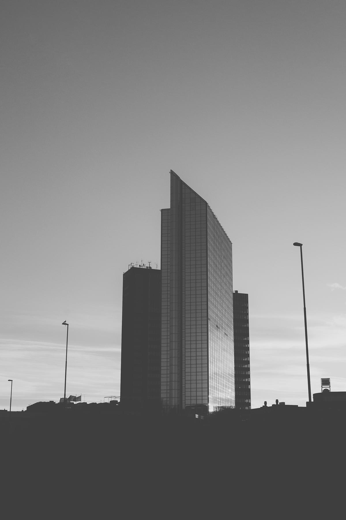 365 – 61 – Oslo Plaza