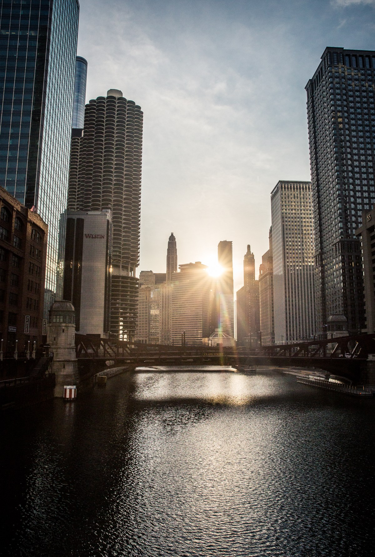 Sunrise at Chicago River