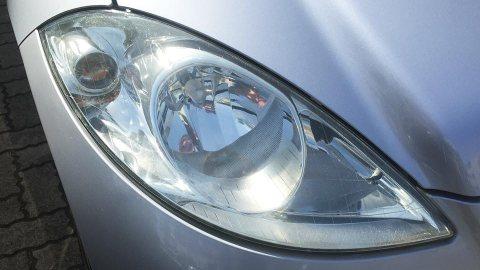 ピカール(PIKAL)で磨いた車のヘッドライト(使用後)