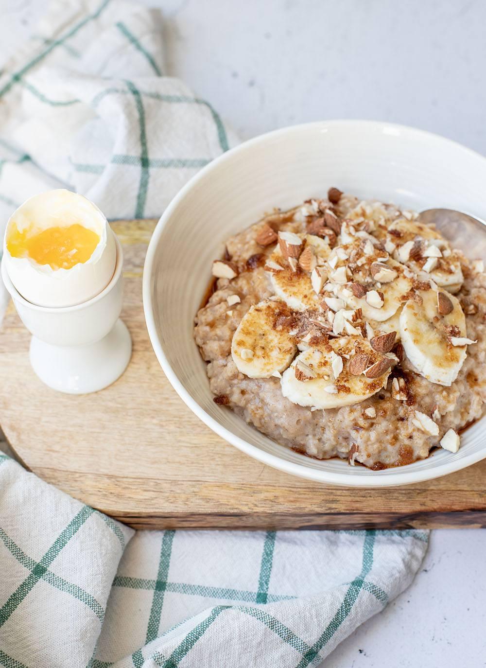 Opskrift på sund havregrød med æg og kanel