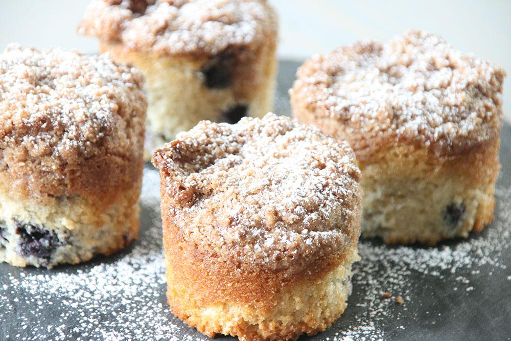 blåbærmuffins med sprød crumble - opskrift