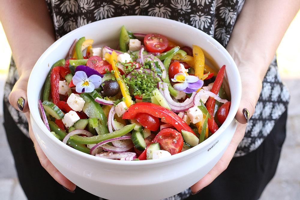 opskrift på knasende græsk salat