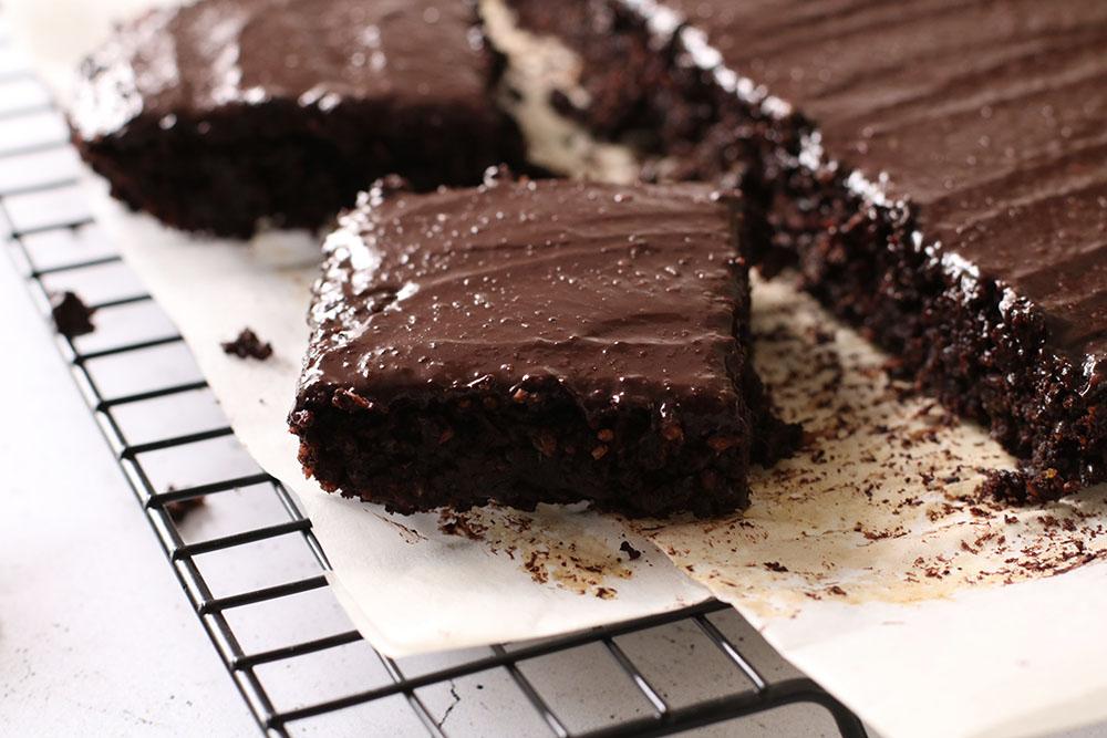 nem opskrift på fudgy glutenfri og vegansk brownie
