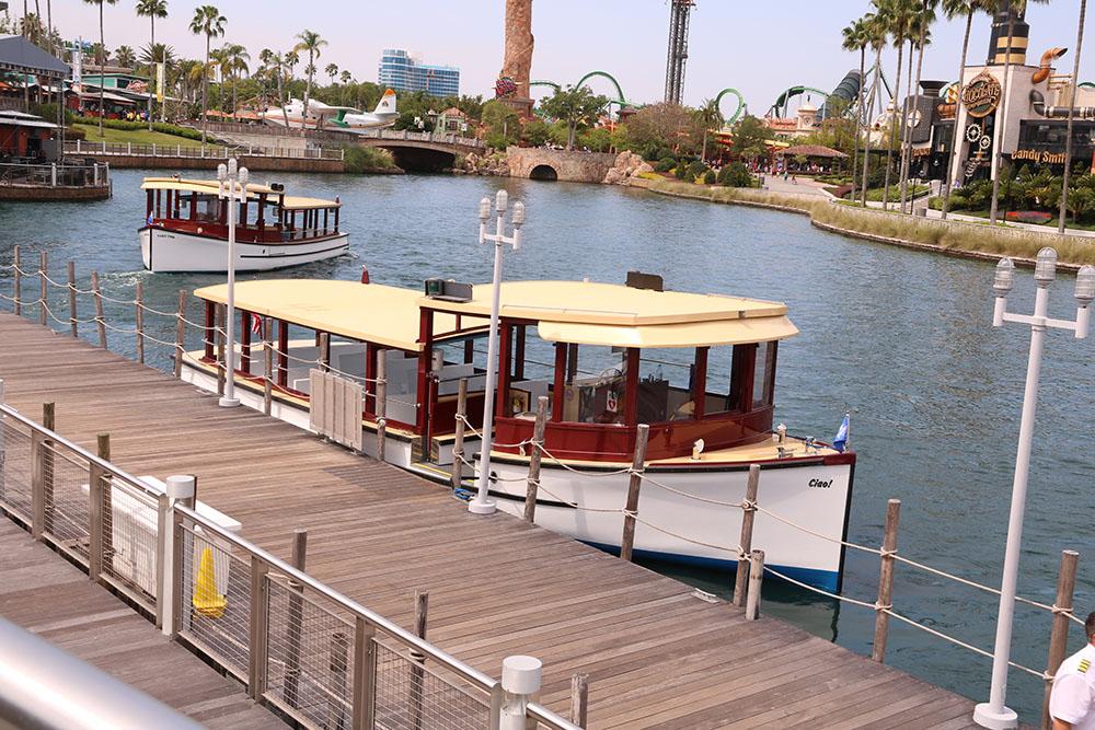 Shuttle båd Universal