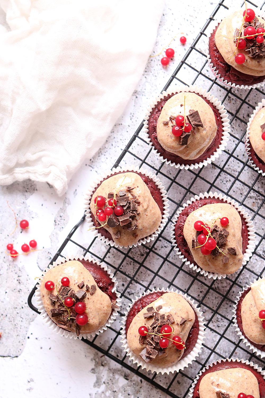 nem opskrift på de bedste red velvet cupcakes