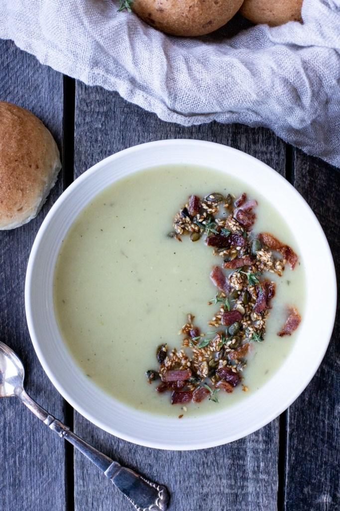 Hjemmelavet kartoffel porre suppe