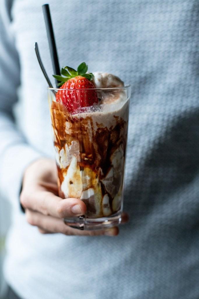 vaniljeis med kakaomælk